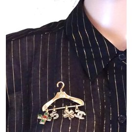 Chanel-Chanel CC Hanger Charms Gripoix Gold Brooch-Golden
