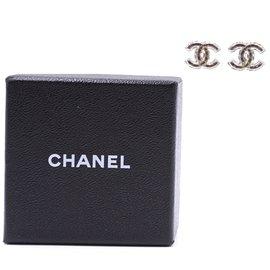 Chanel-Boucles d'oreilles en plaqué émail CC Chanel Inlay CC-Argenté