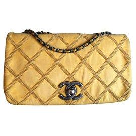 Chanel-Chanel-Jaune