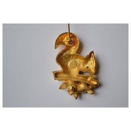 Carven-squirrel-Golden