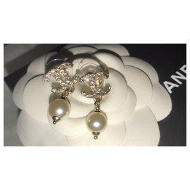 Chanel-Magnifique boucles d'oreille Chanel-Doré