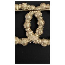 Chanel-Chanel pin-Golden