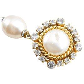 Chanel-Clip Chanel sur boucle d'oreille doré CC-Doré