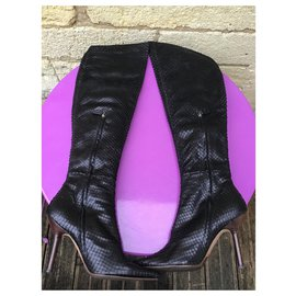 Gucci-Sublimes cuissardes en anaconda noir-Noir
