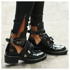 Balenciaga-Belt Boots-Black
