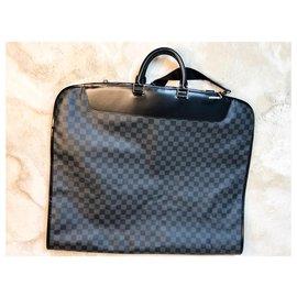 Louis Vuitton-Porte-habits Louis Vuitton 2 cintres-Gris