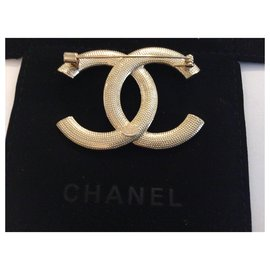 Chanel-Chanel Brooch Black and Pearl-Golden