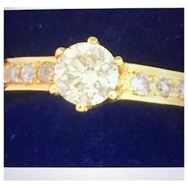 No Brand-New solitaire yellow gold and diamonds-Golden