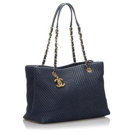 Chanel-Sac cabas en cuir bleu chevron Chanel-Bleu,Bleu foncé