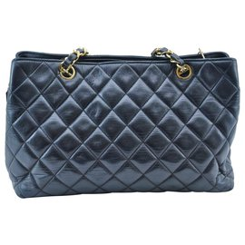 Chanel-Chanel Matelasse shoulder bag-Black