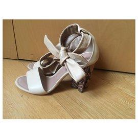 Louis Vuitton-silhouette line ankle strap python pattern heel sandals-Beige