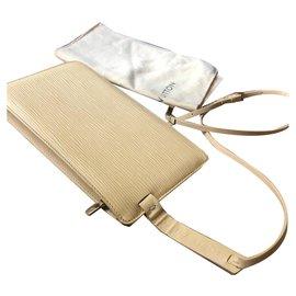 Louis Vuitton-Louis Vuitton Rochelle Belt bag on Carousell Vanilla-Cream