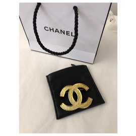 Chanel-DC pin-Golden