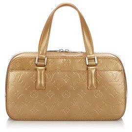 Louis Vuitton-Louis Vuitton Gold Monogram Glace Shelton-Doré