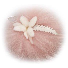 Fendi-Porte-clés pompon en fourrure rose Fendi-Rose