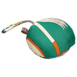 Hermès-Ornement Hermes Vert Petit H Rond-Multicolore,Vert