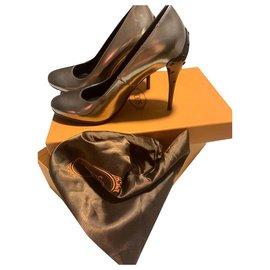 Tod's-Heels-Bronze