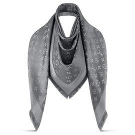 Louis Vuitton-Scarf. M75120-Silvery