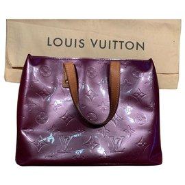 Louis Vuitton-Louis Vuitton Read-Dark red