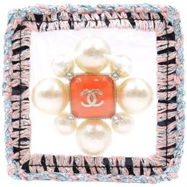 Chanel-Chanel Sealed Tweed Edges Pearl Brooch-Multiple colors