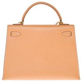 Hermès-hermes kelly 32 courchevel gold leather shoulder saddle, gold plated metal trim-Golden