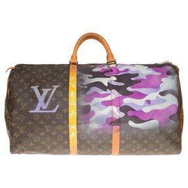 """Louis Vuitton-Sac Louis Vuitton Keepall 60 en toile monogramme customisé """"Camouflage"""" par l'artiste PatBo-Marron,Violet"""