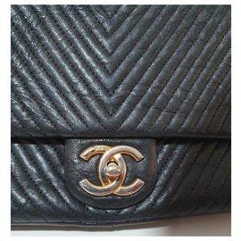 Chanel-Chanel V Stitch Chain shoulder bag-Black