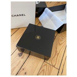 Chanel-BOITE LAQUEE CHANEL SUBLIMAGE-Noir