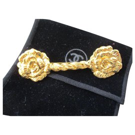 Chanel-Camellia barrette brooch.-Golden