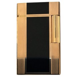 St Dupont-gold plated lighter and black lacquer-Golden