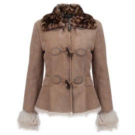 Gucci-veste en peau de mouton avec col en vison-Beige