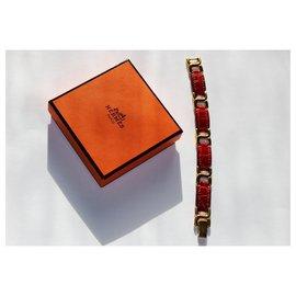 Hermès-Bracelet cuir bordeaux et métal doré-Bordeaux
