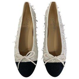 Chanel-CHANEL BALLET FLATS BALLERINA MARQUE NOUVEAU-Blanc