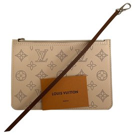 Louis Vuitton-Mahina clutch beige-Beige