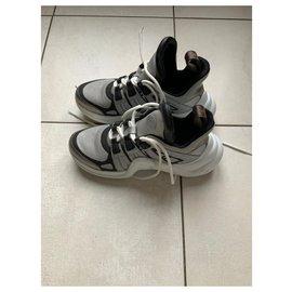 Louis Vuitton-Archlight-Grey