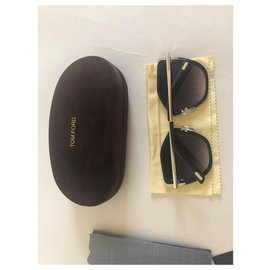 Tom Ford-Des lunettes de soleil-Noir