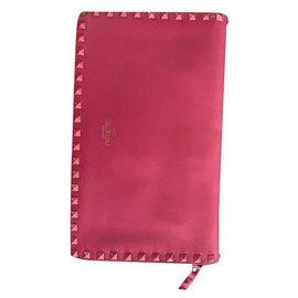 Valentino-Rockstud-Pink
