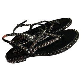 Ash-Des sandales-Noir