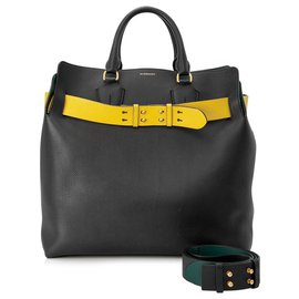 Burberry-Burberry Black 2018 Marais Large Leather Belt Bag-Black,Yellow