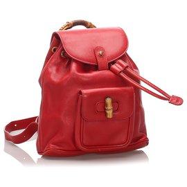 Gucci-Sac à dos en cuir de bambou rouge Gucci avec cordon de serrage-Rouge