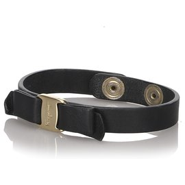 Salvatore Ferragamo-Ferragamo Black Vara Bow Single Wrap Bracelet-Black