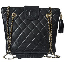 Chanel-Handbags-Black