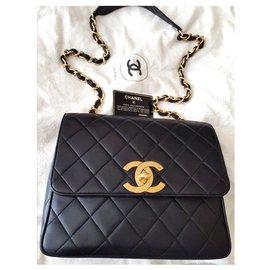 Chanel-Vintage Chanel flap bag-Black