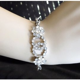 Chanel-Chanel Silver Crystals CC Cloudy Bracelet-Silvery