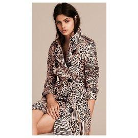 Burberry-Kensington animal print trench coat-Beige