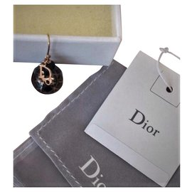 Christian Dior-1 Boucle d'oreille en  Plaqué Or et Logo CDior  en pendant modèle Tribale.-Noir