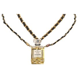 Chanel-Chanel Gold Chanel No.19 Perfume Bottle Necklace-Black,Golden