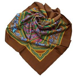 Hermès-Écharpe en soie imprimée Hermes-Multicolore