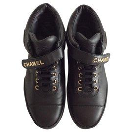 Chanel-sneakers-Noir