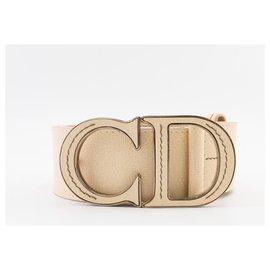 """Dior-Cinto Dior CD em couro granulado marfim com fivela """"CD"""" icônica-Bege"""